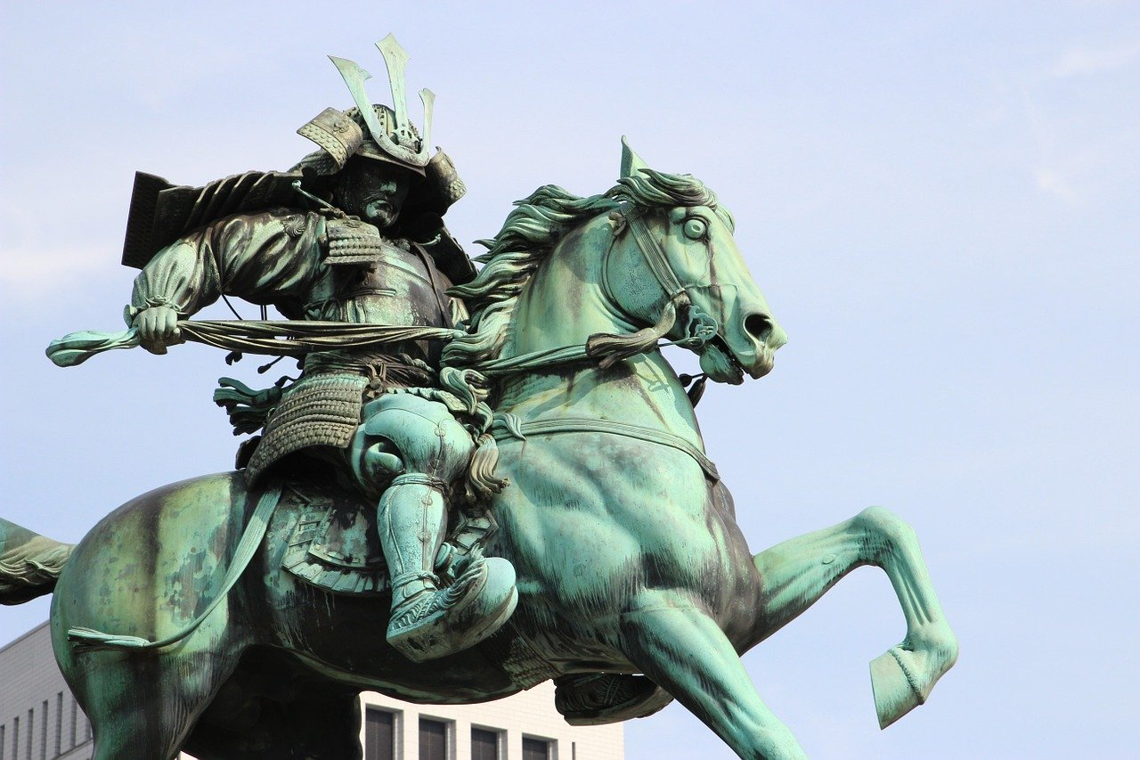 サムライの銅像
